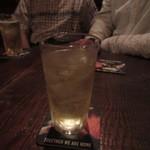 ハーフ ペニー - 2軒目だったんで乾杯はハイボールです。