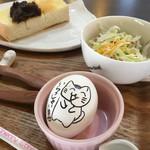 カフェ猫の散歩道 - 選べるトーストにゆで卵、サラダorスープ