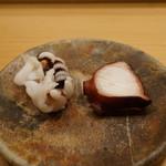 すし匠 - 新烏賊のゲソと佐島の煮蛸