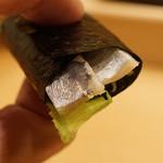 すし匠 - 鰊と胡瓜とガリの海苔巻き