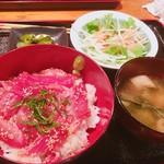 沖縄料理 舞天 - まぐろ祭りの漬け丼