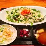 沖縄料理 舞天 - タコライス(ランチ)