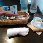 横浜馬車道 旬の肉料理イタリアン オステリア・アウストロ - カトラリー