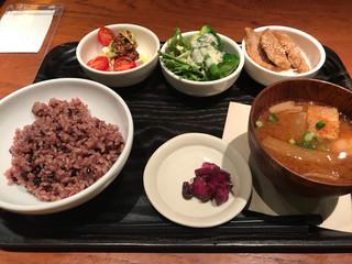 和カフェ yusoshi chano-ma 上野