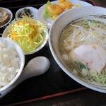 龍ちゃん食堂 - 料理写真:エビマヨ定食(塩ラーメン)です。