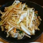 72023303 - ニンニクがガツンと利いた野菜炒め                       いかにもご飯が進む味