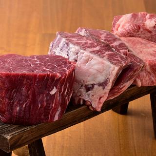 肉の分厚さ、柔らかさに驚く「伝説盛り」は4,980円!