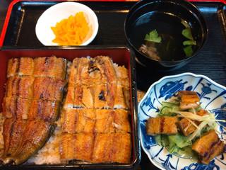 うなぎ屋源内 - うな重(上)鰻1本(肝吸い・うざく付き)(2900円)