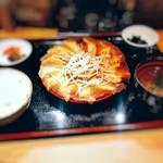 浜太郎 - 餃子定食赤餃子ダブル930円税別