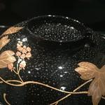 京懐石 八泉 - 飛龍頭のお椀、椀の図柄は葛です