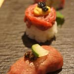 72041881 - 和牛寿司3種類