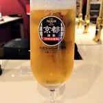 ビアスタンドホップ - 『HOP 早飲みセット』の生ビール~!! すぐに写真を撮るの忘れてしまって、呑んでしまったので、ビールの量と泡が少ない…(^_^;)