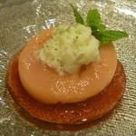 イタリアンレストラン Zucca - 桃のコンポートとプラムのスープ