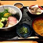 日本橋イカセンター - 海鮮丼