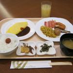 72050265 - 朝食の一例です。