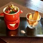 京都 れとろ洋食 LOCAVO - タコのアヒージョ
