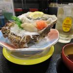 のと前回転寿司 - 料理写真:天然岩牡蠣