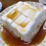 沖縄料理オナガ家 - じーまみ豆腐