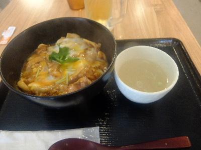 鳥めし 鳥藤 魚河岸食堂店 - 軍鶏の親子丼