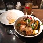 スープカリー スアゲ プラス - 知床鶏と野菜カレー @1,150円 ごはんは少なめで。