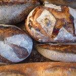 パン工房 ヴィエノワ - 料理写真:ハード系各種