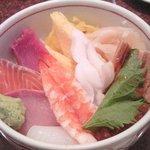 Sushidokoroyachiyo - 海鮮丼\840
