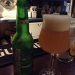 LOCAL BAR 新栄EIGHT - ニュートン(青リンゴフレーバーのビール) これは絶対に一度飲んでみるべしっ!! 2017/08/25