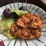 だんだん館 - さつま揚げっぽい感じの、ふわふわ天ぷら。揚げたてで美味しい。