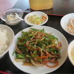 中国美食坊 聚珍楼 - 青椒肉絲定食