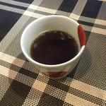 三馬力+1/2 - お湯のみでコーヒーのサーブ。
