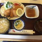 茂利川 - フライ定食(750円)