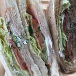 アウルグリーン - 料理写真:サンドイッチ2種類購入