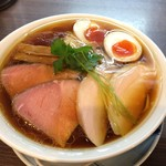 らぁ麺 紫陽花 - 特製醤油らぁ麺(麺大盛り 税込980円)