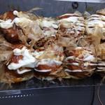 たこ焼きホット - 料理写真:たこ焼き(8個入り)340円