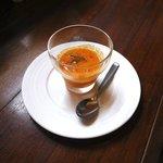 ラ プチット - アミューズのガスパチョ。こなれた美味しさ。♪