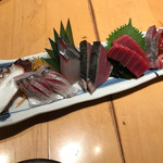 魚真 - 刺身盛合せ
