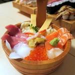 海鮮すし 海花亭 - 八色海鮮丼¥1980