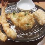 天ぷらめし 金子半之助  - 南瓜、海老、かき揚げ、かしわ