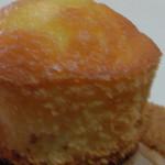 鹿児島ユタカ - さつまいものマフィンケーキ(表面)
