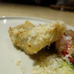 TTOAHISU - *太刀魚はセモリナ粉をまぶしムニエルに。スモークチーズとごま油がかけられています。 チーズと太刀魚がよく合い、美味しいこと。