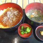 ぼよんさ - 料理写真:日替わり丼(1290円) スズキとカンパチの漬け丼