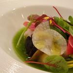 レストラン スーリール - ◆ラングスティーヌとサザエのスープ仕立て 茄子のコンポートと季節のサラダ添え