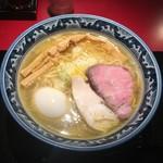 麺匠 佐蔵 - 料理写真:知床鶏の黄金塩そば