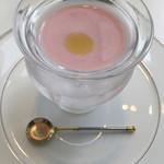 72095233 - アミューズ 桃の冷たいスープ☆★★☆