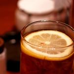 コーヒー ロード - グラスに浮いた輪切りのレモン♪