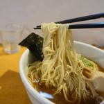 ラーメン ABE's - 細麺リフト、麺が絡み失敗