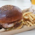 ザ ビーチ バーガー ハウス - ベーコンチーズバーガー