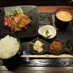 Tori喰 - 日替わり定食(淡路元気どりのチキンカツ)1.000円