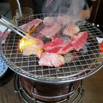 牛繁 - 料理写真:さぁ~焼いて焼いて!