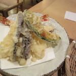 手打ちそば 石月 - 海老と夏野菜の天麩羅